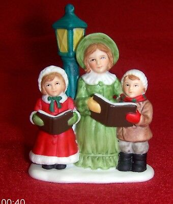 Lefton Colonial Village Character Figurine The Parkers Caroling