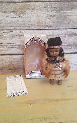 """Parrs Handcraft New Zealand Souvenirs Maori Tribe Doll Vintage New in Box - 7"""""""