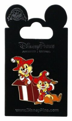 2012 Disney DLP Chip And Dale Wearing Christmas Clothes Pin With Packing N2