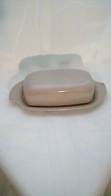 Vintage [1960s] Boonton Ware Butter Dish With Cover, light grey Melmac