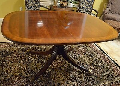 White Furniture Co. Oval Pedestal Table w/2 Leaves, Model 400-16 - Lot No. 275