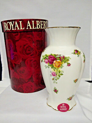 "Vintage - Royal Albert - ""Old Country Roses"" - Montrose - Royal Doulton - 1962"