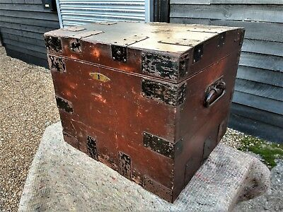 CHARACTERFUL 19th CENTURY PINE SILVER CHEST TRAVELLING TRUNK BLANKET BOX