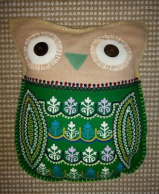 SASS & BELLE Green Embroidered Owl Cushion. In Very Good Used Condition!