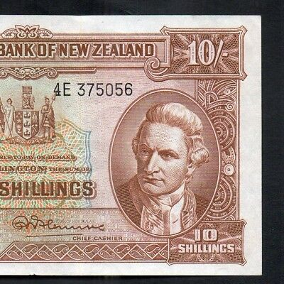 New Zealand 1956-67 R.N.Fleming 10 Shillings Banknote - 4E with security thread