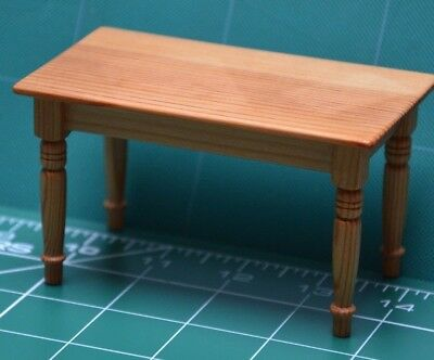 1/12th Scale Dolls House Miniature Pine Kitchen/Dining Table Fine.