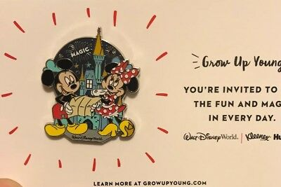 New Packaged 90Th Anniversary Walt Disney Mickey & Minnie MouseCommemorative Pin