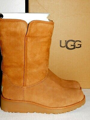 0b6214d798e NEW NIB WOMENS 6 Chestnut Ugg Amie Sheepskin Suede Pull-On Winter Boots  1013428