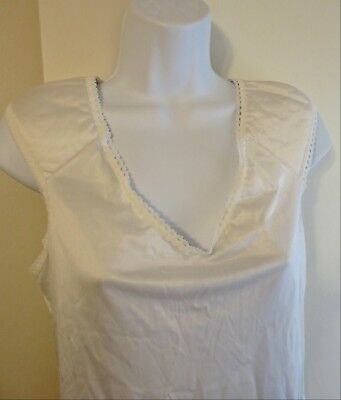 vintage VANITY FAIR padded shoulders Ivory nylon camisole in size 34 / 40