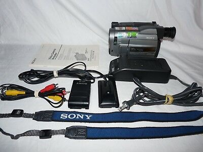 Sony Handycam CCD-TRV32 8mm Video8 Camcorder VCR Player Camera Video Transfer