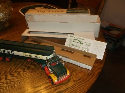 1977 Hess Tanker Truck with WORKING LIGHTS, both inserts and original box