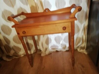 beautiful antique/vintage wash stand with turned wood