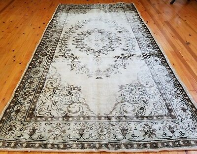 """Rare 1930-1939s Antique Wool Pile 4'9""""×8'10"""" Muted Dye Primitive Isparta Rug"""