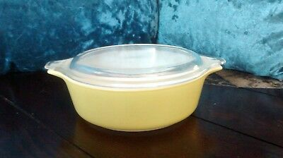 Vintage-Pyrex (solid color) mellow yellow casserole dish 471-B w/lid