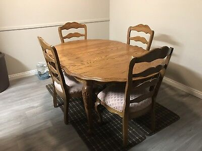 Solid Oak Dining Table With Leaf And 4 Soft Mauve Cushioned Chairs