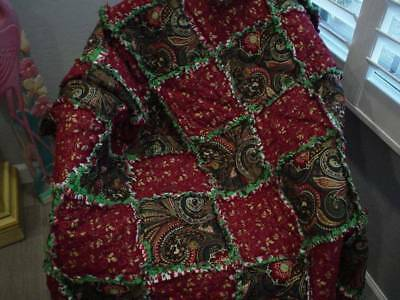 Christmas Rag Quilt ~ Pretty Paisley~ Red ~ Green ~ Gold