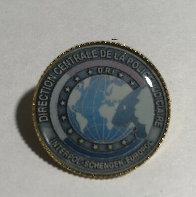 INTERPOL SECURITY   'INTERNATIONAL POLICE' Agency 25mm Gold Plated Pin Badge