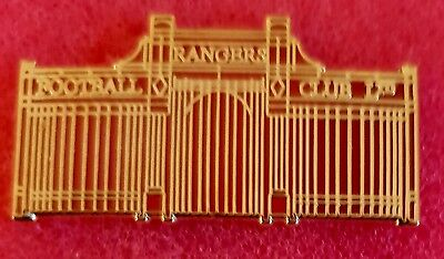Rfc Rangers Famous Gates Of Ibrox In Red  Finish Combined Postage