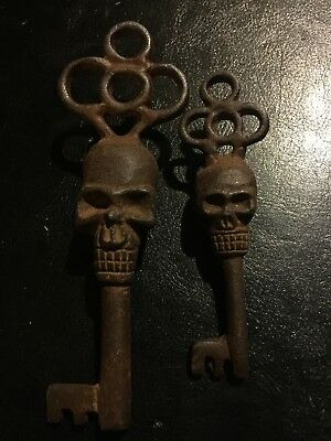 Victorian Skull Key Set Vintage Antique style NR Heavy Cast Iron Metal Lot G