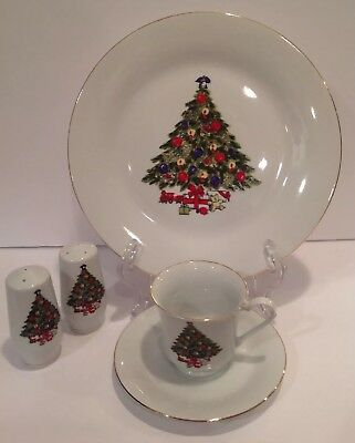 Service for 4 CHRISTMAS TREE SEA GULL FINE PORCELAIN CHINA & Salt Pepper Shakers