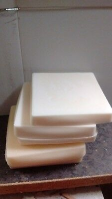 1.9kg Cream candle making wax.Not scrap.FREE wick,sustainers and instructions.
