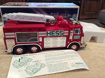 2005 Hess Fire Rescue Truck MIB Never Played
