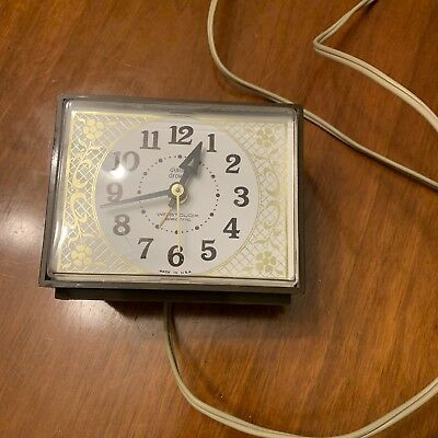 Vintage Westclox Alarm Clock Drowse Dialite Model 22090 Made In USA