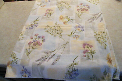 Vintage COTTON PRINT FABRIC TABLECLOTH Variety of Wild Flowers