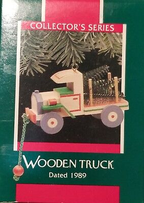 Hallmark Christmas Ornament WOODEN TRUCK 1989 delivery tree toy pickup wood