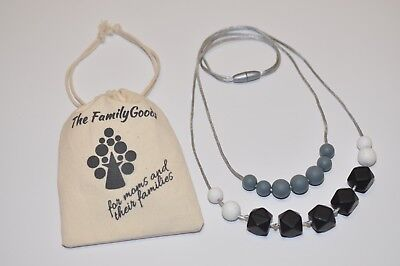"Stillkette ♥ Silikonperlen ♥ Mamakette ♥ The Family Goods ""Black & White"""