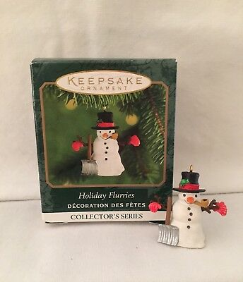 Hallmark Miniature Holiday Flurries Ornament #2 In The Series Dated 2000