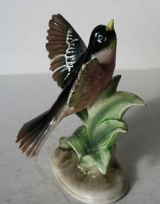 Robin Bird Figurine Ceramic-Porcelain Hand Painted Made in Japan Awesome Figure