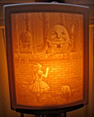 Maglyn's Dream Lithophane Night Light Hand Crafted By The Porcelain Garden