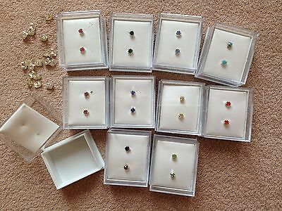 JOB LOT-10 pairs of 7different colours 0.4cm diamante stud earrings.Gift boxed