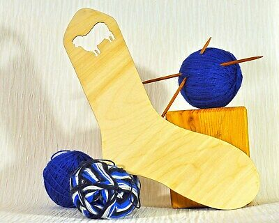 Wood Sock Blocker (adult UK size 5-7) .