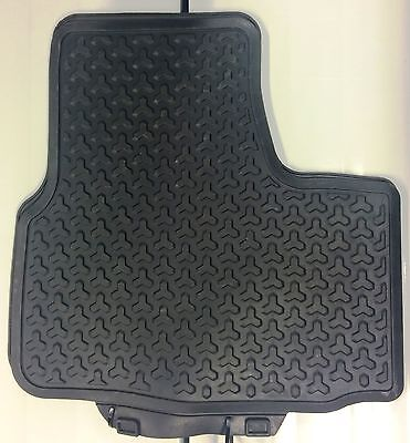 Tappetini Posteriori in Gomma VW UP e Cross Up anno 2012--> 1S0061511 041