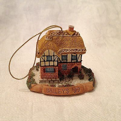 Baileys Original Irish Cream 1999 Cottage Ornament