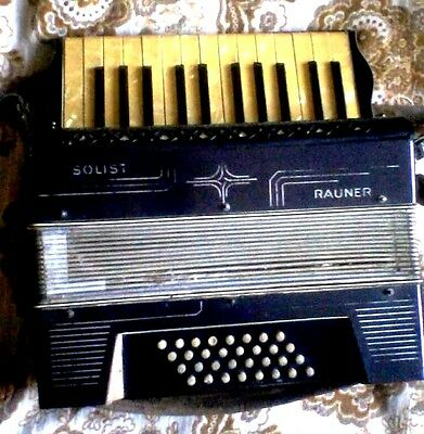 Accordion Rauner 1/2, 32 bass, Germany 1930