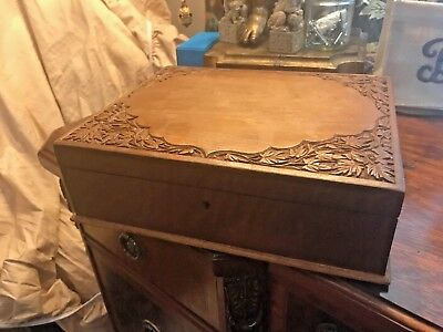 TERRIFIC 19C ANGLO INDIAN HAND CARVED ANTIQUE JEWELLERY BOX without key