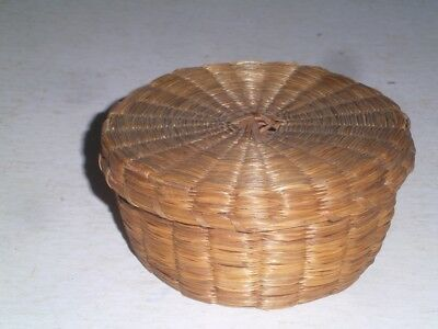 Vintage Small Woven Sewing Basket