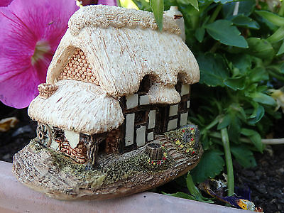 """Lilliput Lane Cottage"""" The Farriers"""". Box / Deed Early cottage VGC!!!"""