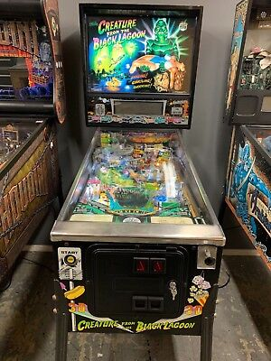 Creature from the black lagoon pinball machine by bally Arcade Game