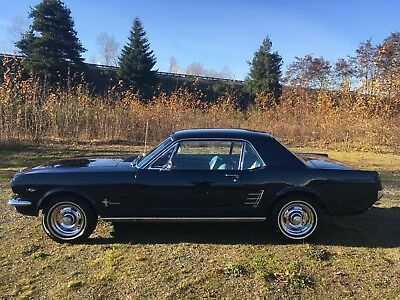 1965 Ford Mustang coupe 1965 Ford mustang