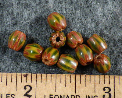 (10) Original Old Green & Red Chevron Huron Indian Trade Beads Fur Trade Era