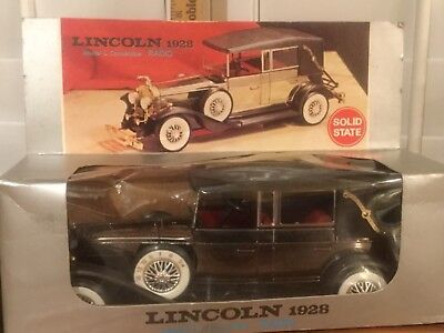 Vintage Solid State AM Radio Lincoln 1928 Model L Convertible Car