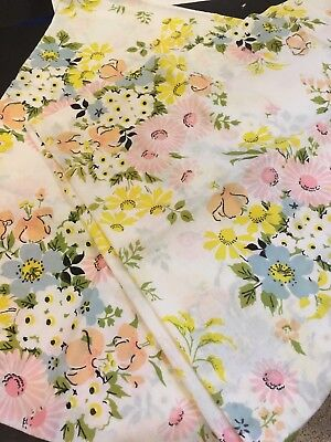 Pair VTG PEQUOT Shabby Pink Daisey Floral Standard Pillowcases No Iron Pretty
