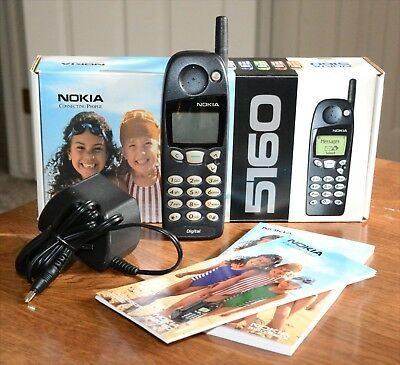 Vintage Nokia 5160 Phone w/Box, Charger, Owner's Manual & Accessories Guide