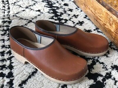 Vintage Scandinavian Clogs Chestnut Brown Leather Wooden Womens 9 40 Cute!