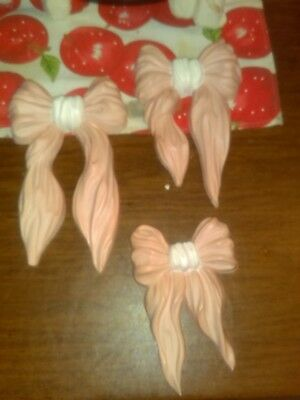 Set Of 3 Homco Made In Usa Bows With Hanging Hooks Attached Pink & White