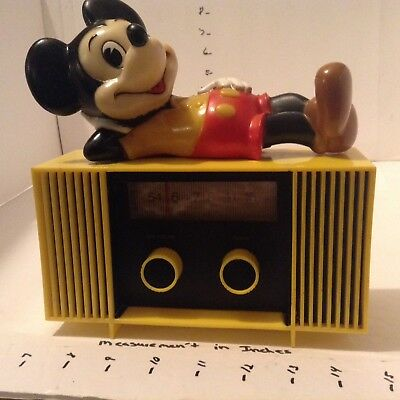 VINTAGE 1960's DISNEY MICKEY MOUSE BATTERY OPERATED AM RADIO WITH BATT.  WORKS